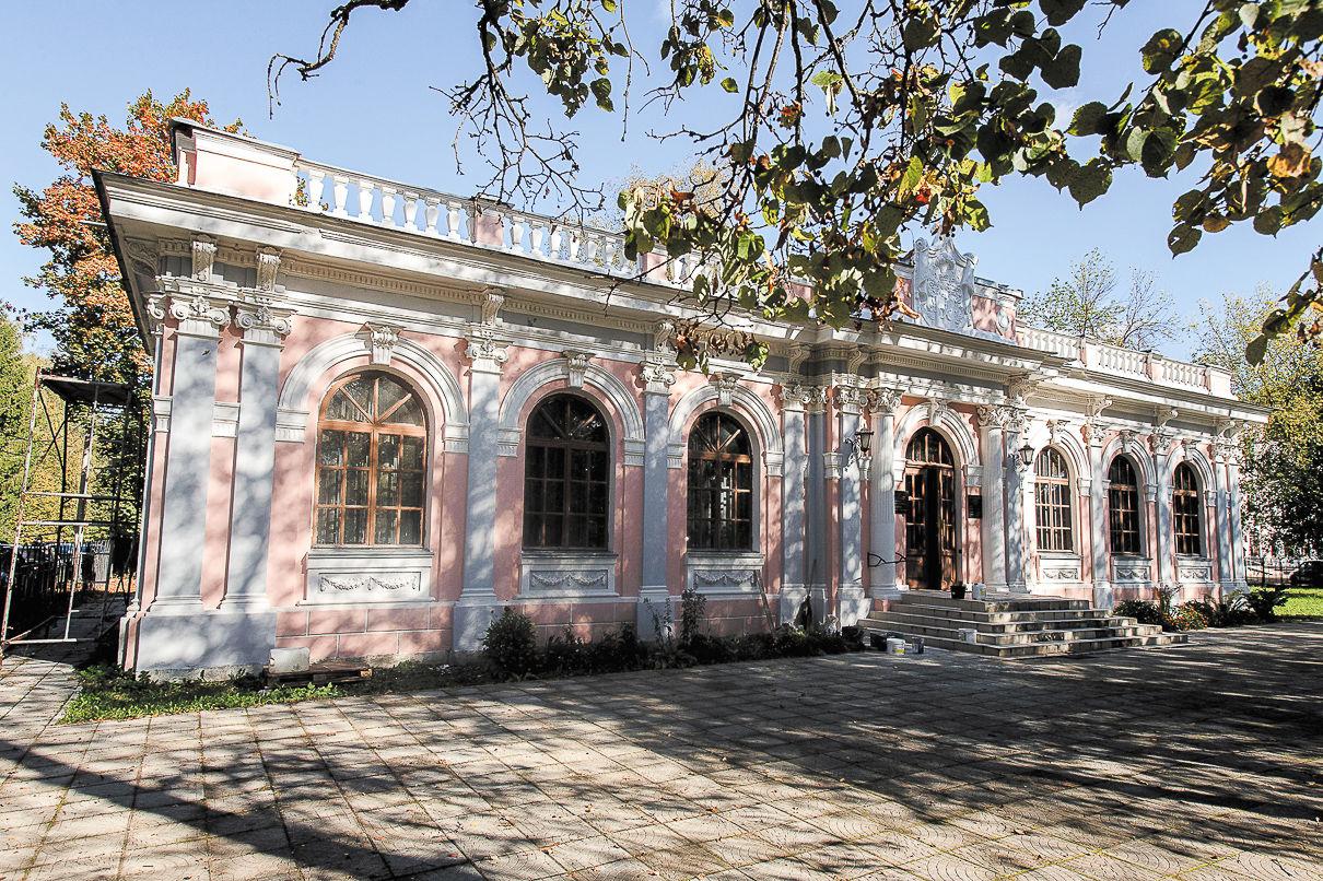 Церковь Святого Иосифа Волоцкого в Сахарово — бывший павильон, построенный в 1897 году под родовой музей. Фото: Александр Бурый