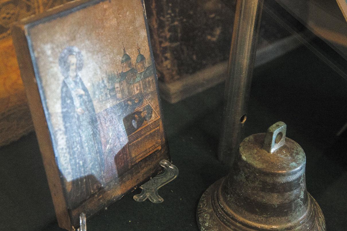 Икона и колокол церкви Святого Иосифа Волоцкого. Фото: Александр Бурый